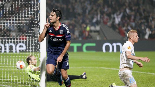 Lyon prend la tête de son groupe en battant Rijeka (1-0) tout en profitant du faux-pas de Guimaraes à Séville (1-0).