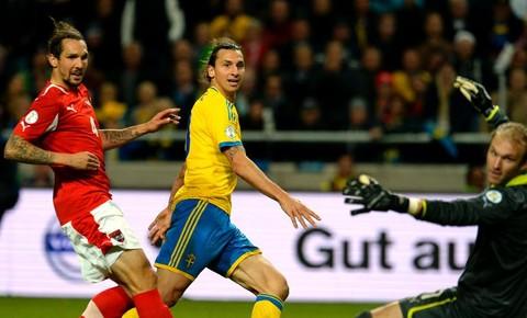 Zlatan Ibrahimovic lors de Suède-Autriche. Il sera l'homme à abattre et sur lequel il faudra un marquage constant pour les portugais.