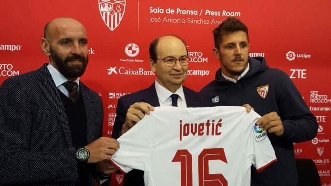 OFFICIEL : Un attaquant débarque au FC Séville!