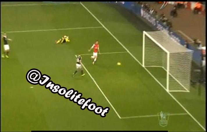 Grâce à un doublé de Giroud, et une boulette de Boruc, Arsenal bat Southampton (2-0) !!!