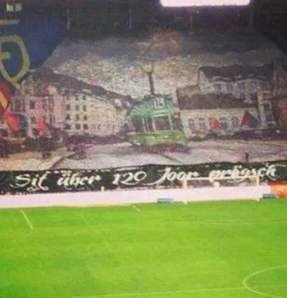 Le public créatif du FC Bâle !!!