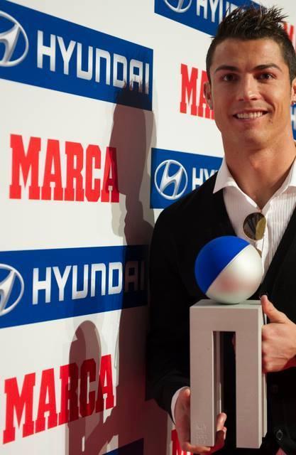 Cristiano Ronaldo a reçu aujourd'hui le prix Alfredo Di Stefano