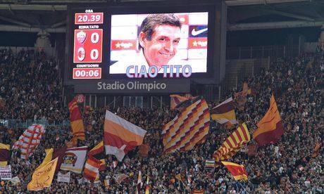 L'hommage des supporters de la Roma et le Milan AC à Vilanova
