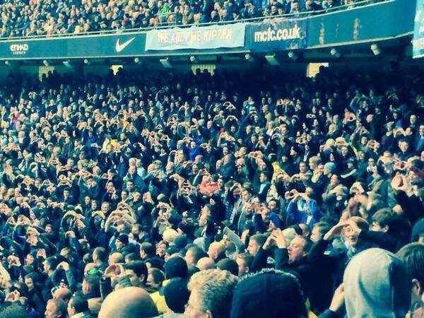 Le public de Man City a fait une célébration à la Bale !!!