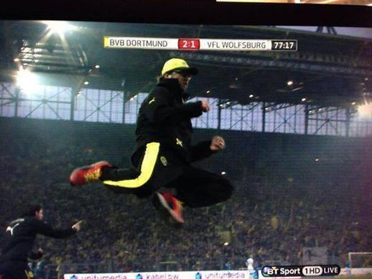 Borussia Dortmund 2-1 Wolfsburg : Voilà la réaction de Jürgen Klopp après le but de Reus !!!