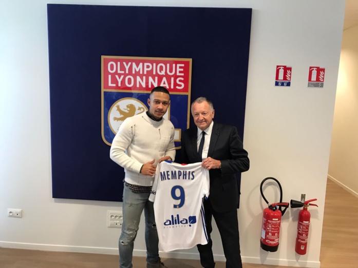 Memphis Depay signe officiellement à l'OL