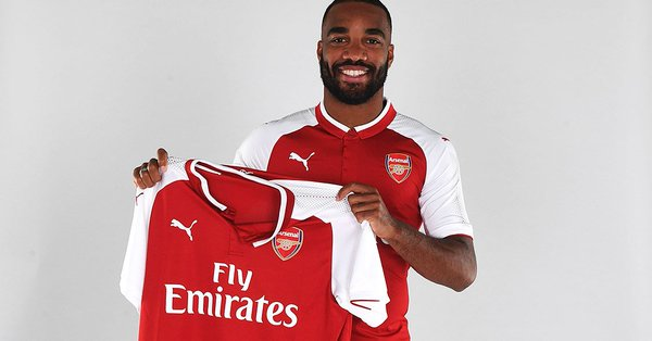 Cascarino ne croit pas en Lacazette — Arsenal