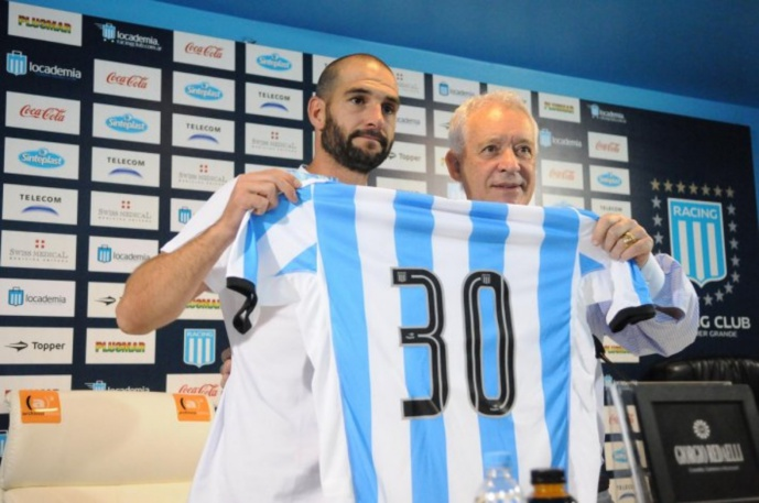 L'Olympique Lyonnais répond aux critiques de Lisandro Lopez