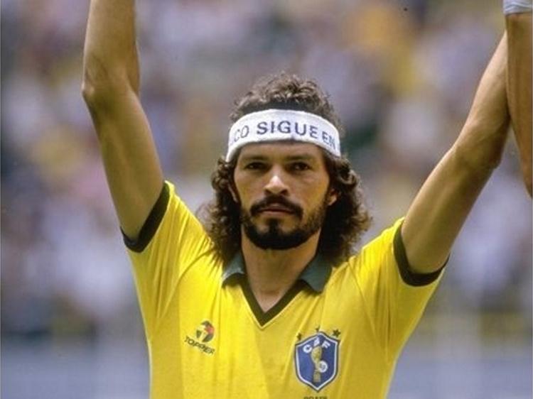 Focus : Sócrates Brasileiro Sampaio de Souza Vieira de Oliveira, plus connu simplement comme Sócrates