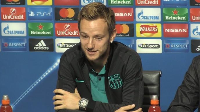 Rakitic souhaite rester au Barça, mais n'exclut pas un départ