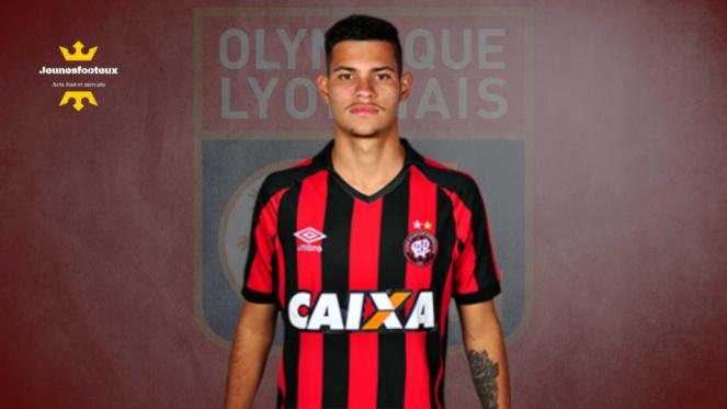 Bruno Guimaraes : milieu de terrain brésilien de l'Athlético Paranaense