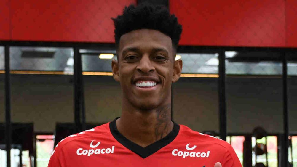 OGC Nice - Mercato : un défenseur brésilien convoité par l'OL et le LOSC en approche ?