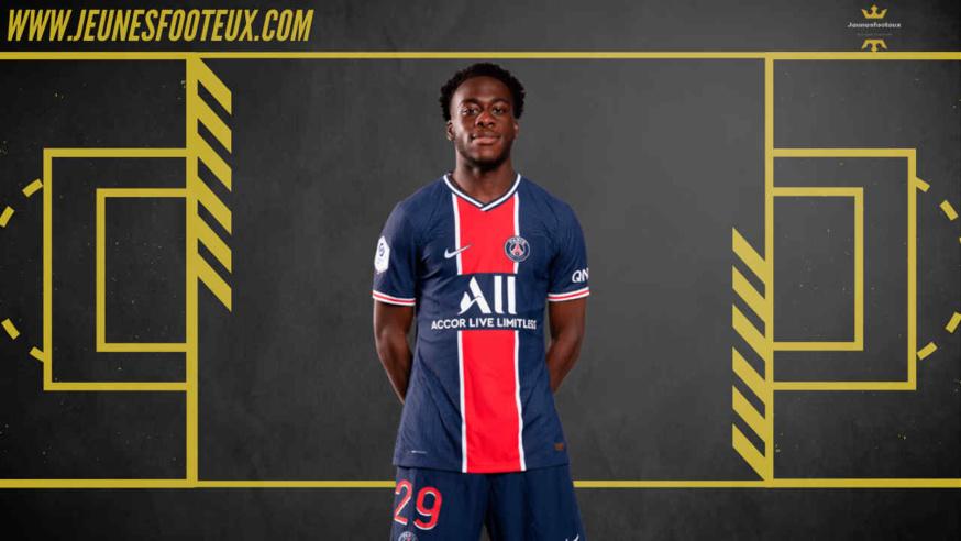 Arnaud Kalimuendo sous le maillot du PSG en début de saison 2020/2021