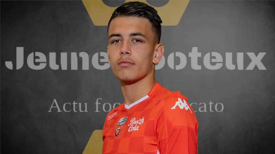 Enzo Le Fée, milieu de terrain du FC Lorient