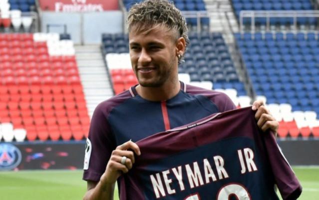 PSG Foot : Neymar (ex Barça) au Paris SG.