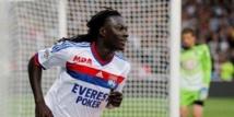 Lyon profite des faux - pas adverses et conserve sa troisième place