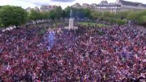 Les supporters parisien au Trocadéro !