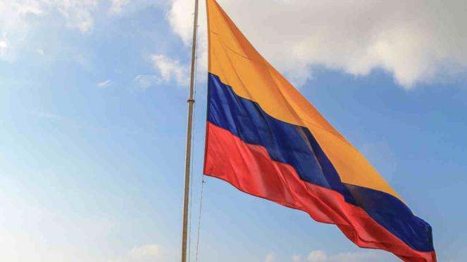 Un match de football à 7 contre 11 en Colombie