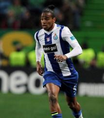 Monaco s'intéresse à Alvaro Pereira