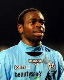 Prince Oniangue 3 ans au Stade de Reims ( officielle)