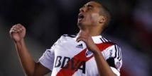 River Plate pousse Trezeguet vers la sortie.