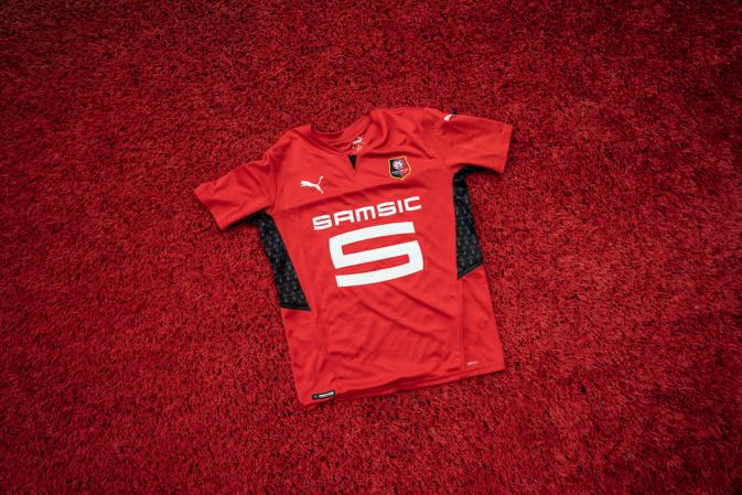 Stade Rennais : PUMA présente les maillots 2021-2022 de Rennes