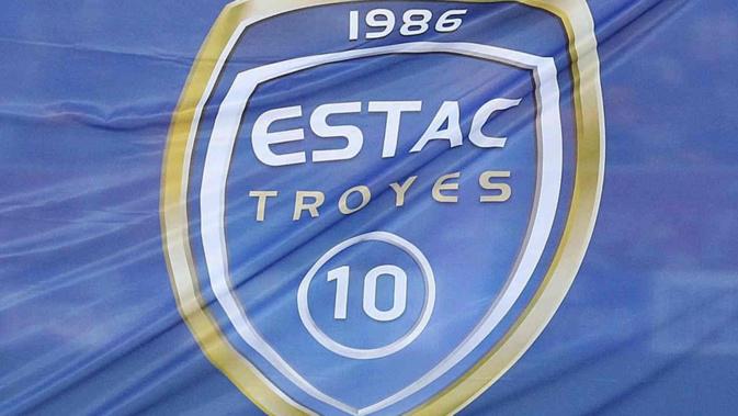 Troyes - Mercato : Un ex joueur de l'ASSE intéresse l'ESTAC - deux défenseurs en approche