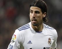 Real Madrid : Sami Khedira dans le viseur de Chelsea !