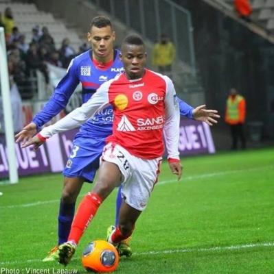 Reims - Mercato : West Ham et le Chievo Vérone s'intéressent à Floyd Ayité