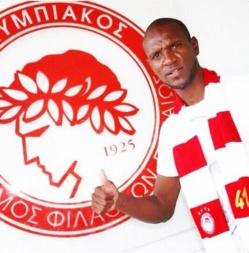 Eric Abidal s'est engagé à l'Olympiakos (officiel)