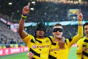 Les super héros du derby de la Ruhr sont à Dortmund. Aubameyang et Reus ont mis à mal Schalke 04.