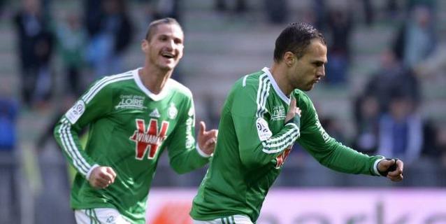 Saint-Étienne s'impose contre Lorient et renoue avec la victoire