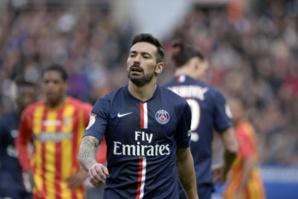 A défaut d'avoir brillé, Ezequiel Lavezzi a vu triompher son équipe contre Lens. Le PSG attend son heure…