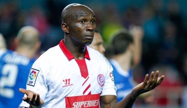 FC Séville:  Stéphane Mbia sur les tablettes d'une formation de Premier League ?