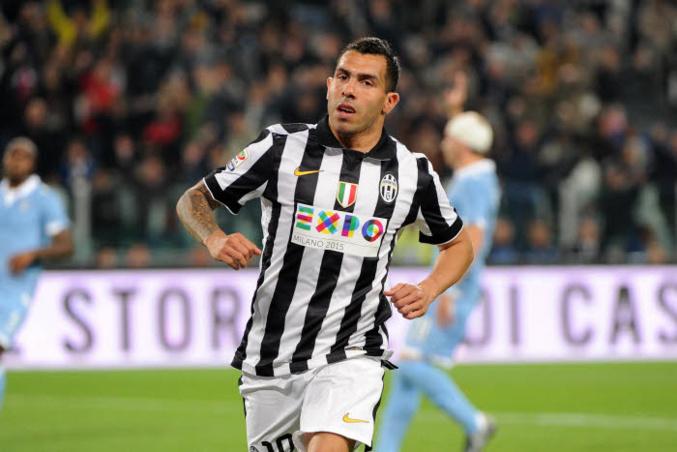 Les matchs se suivent et se ressemblent pour Carlos Tevez, bourreau de la Lazio, et la Juventus.