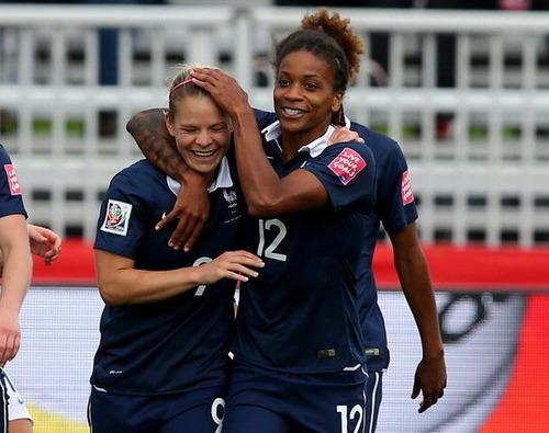 Coupe du monde féminine : Démarrage réussi pour les Bleues