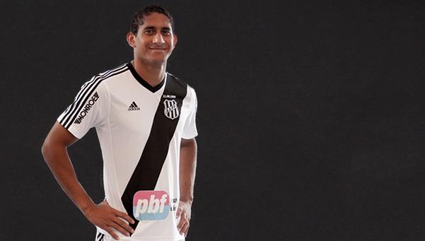Le défenseur central de Ponte Preta Pablo Castro