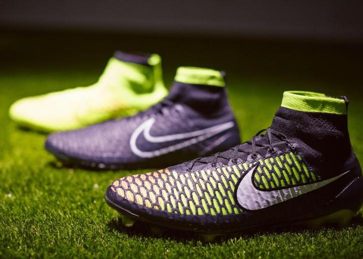 Tu sais que tu joues en Nike Magista Obra quand...