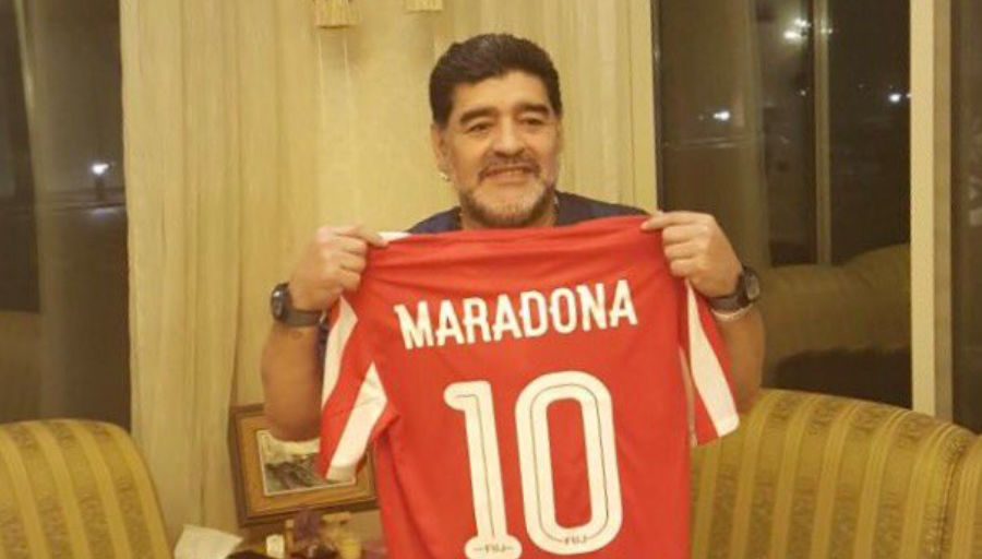 Diego Maradona insulte méchamment Daniel Alves