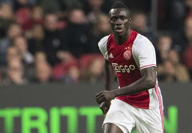 L'Ajax Amsterdam accepte une grosse offre de Tottenham pour Davinson Sanchez