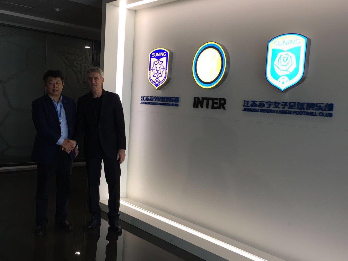 EX OL : Gérard Prêcheur signe en Chine