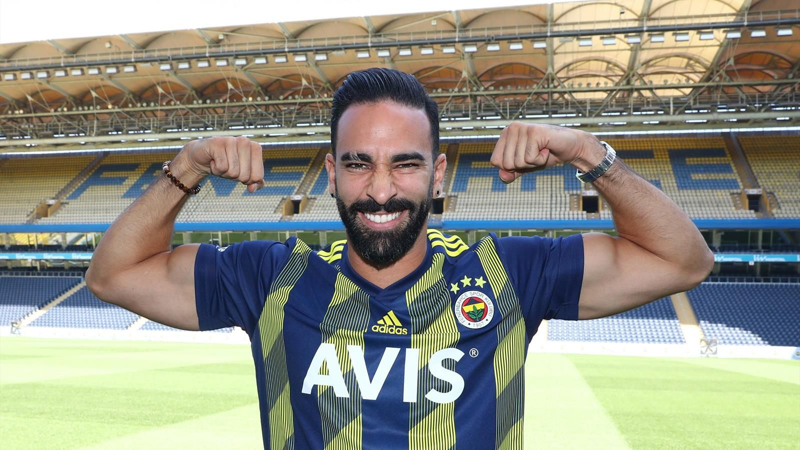 Mercato : Adil Rami (ex Fenerbahçe) rejoint le FC Sotchi (Russie)