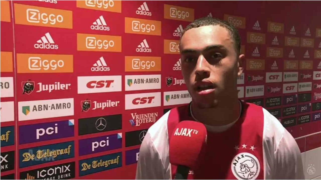 Sergino Dest, arrière latéral droit de l'Ajax Amsterdam
