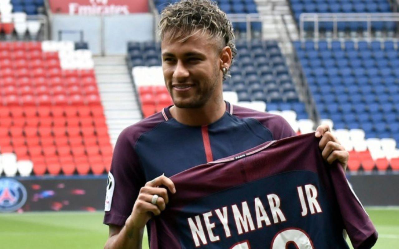 PSG : Neymar (ex Barça) lors de sa présentation.