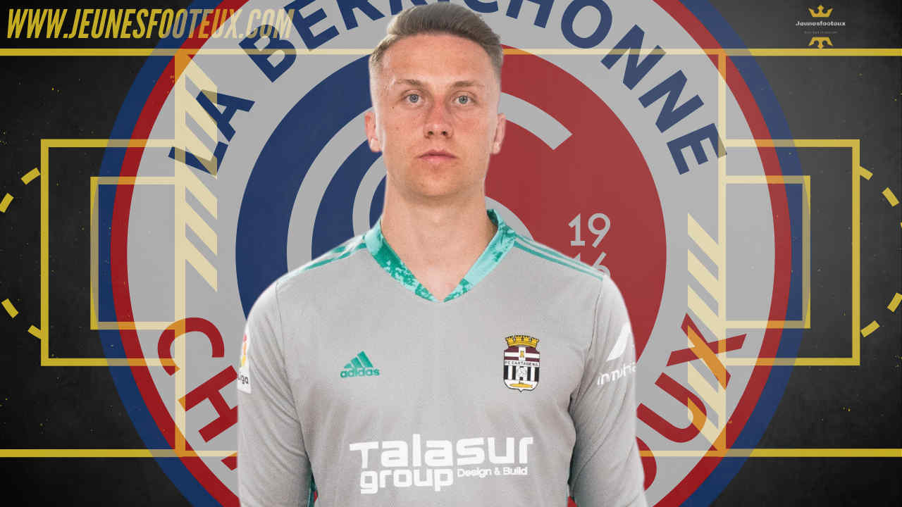 Ici sous le maillot de Carthagene où il est prêté, Bulka pourrait être rappelé et envoyé à Châteauroux par le PSG