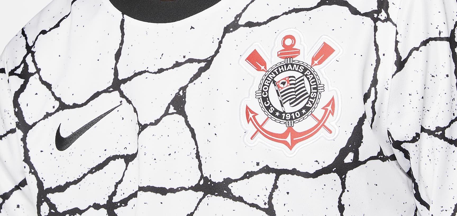 Nike présente le nouveau maillot domicile des Corinthians