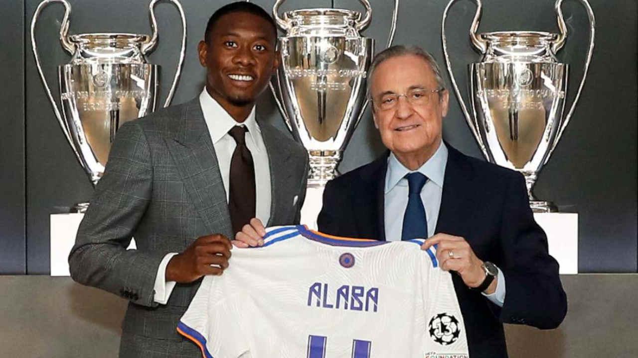 Real Madrid : David Alaba voulait rejoindre le FC Barcelone, Uli Hoeness l'a refroidi