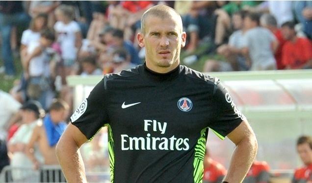 PSG : Nicolas Douchez a prolongé son contrat jusqu'en 2015