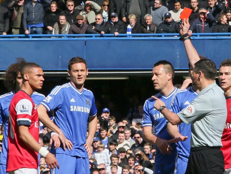 Arsenal: Le carton rouge de Gibbs annulé