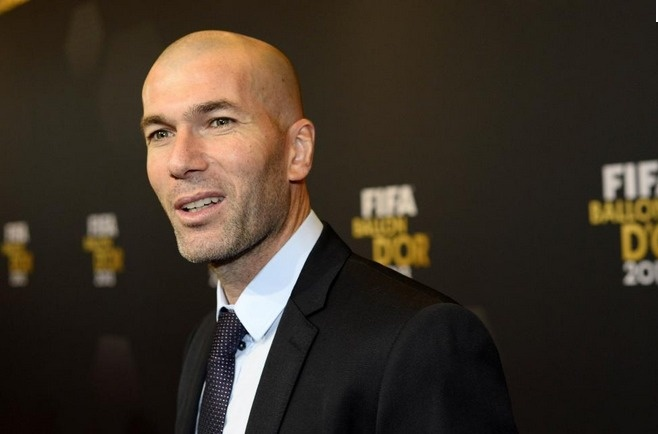 Zinedine Zidane élu meilleur joueur de l'histoire du championnat de France.